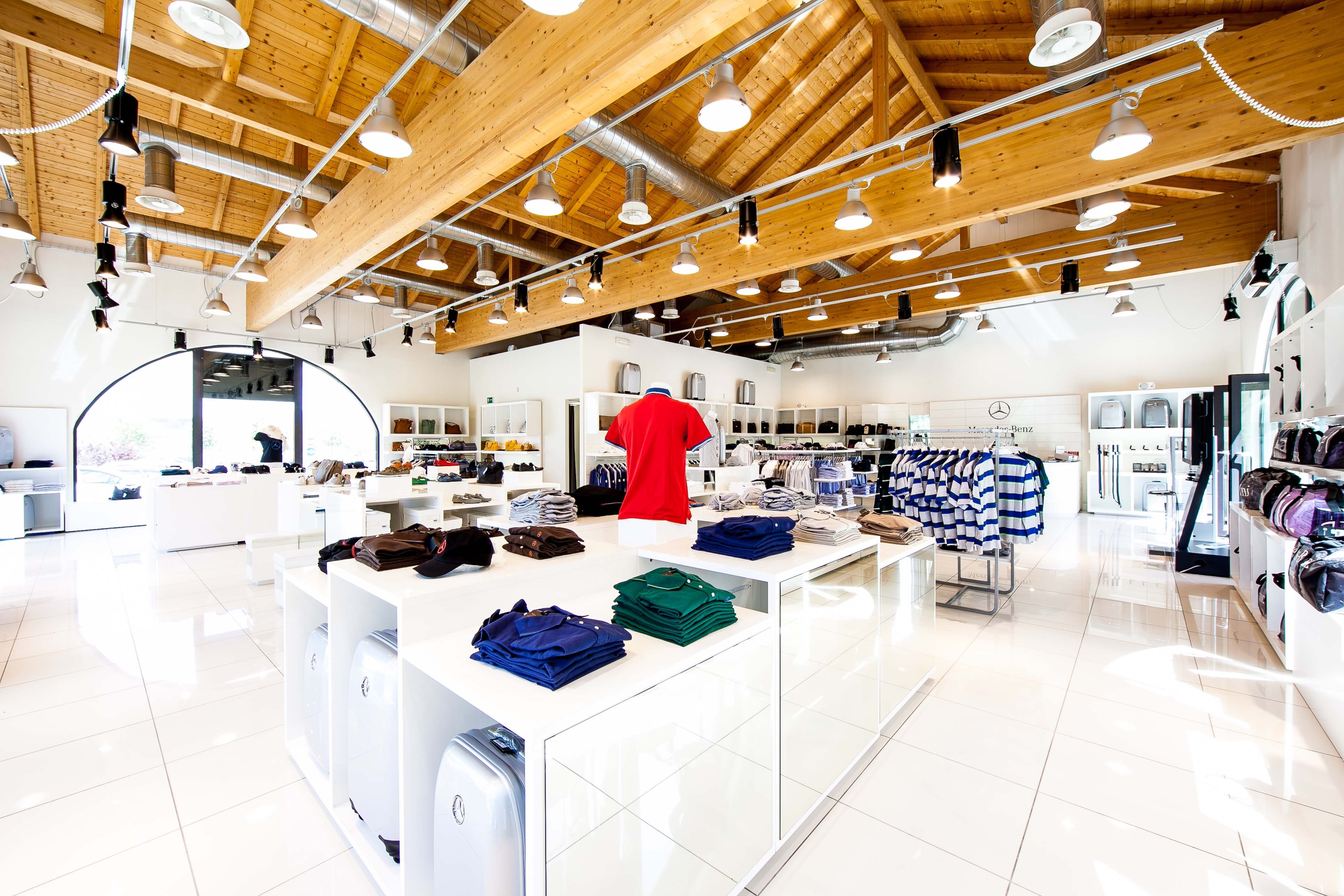 Mercedes Store: il nuovo Outlet a Soratte » Mercedes Benz ...