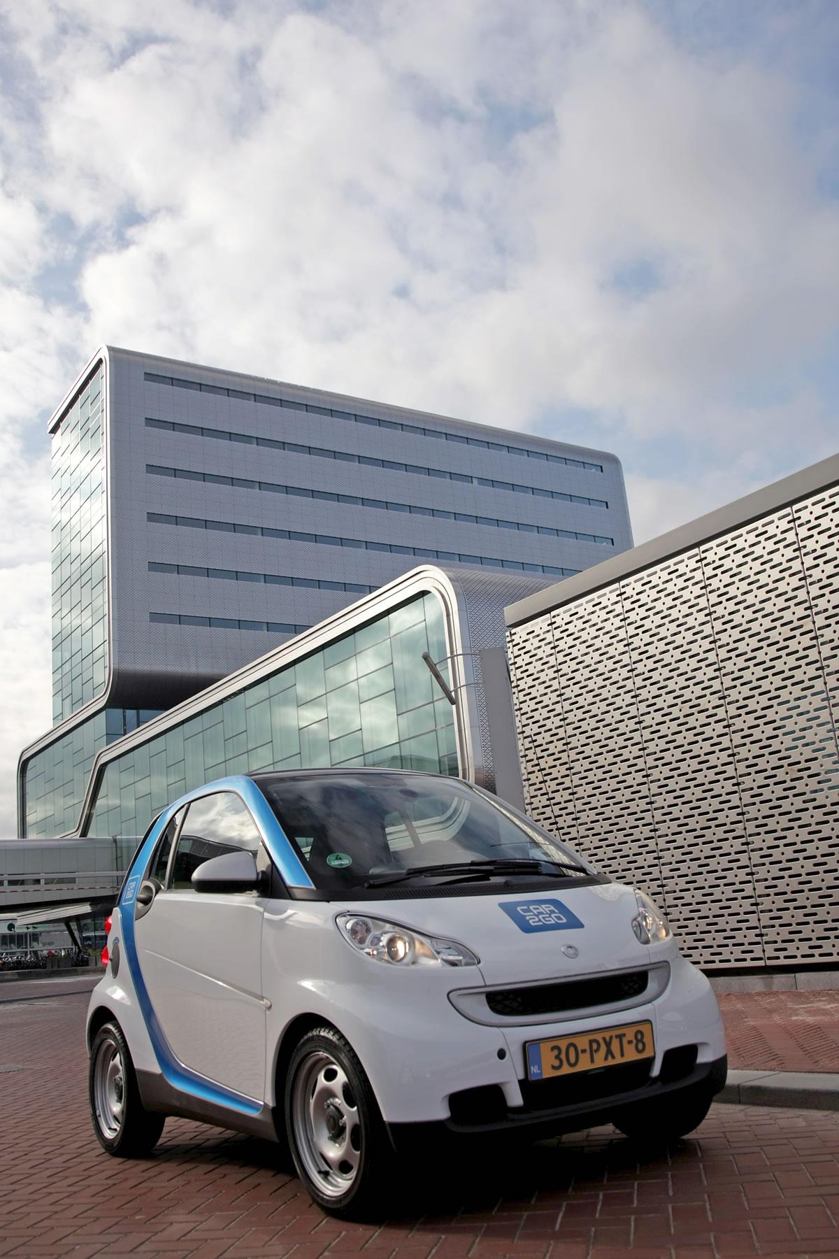 smart-car2go-amsterdam-electric-828368_1530025_2520_3780_11c382_04