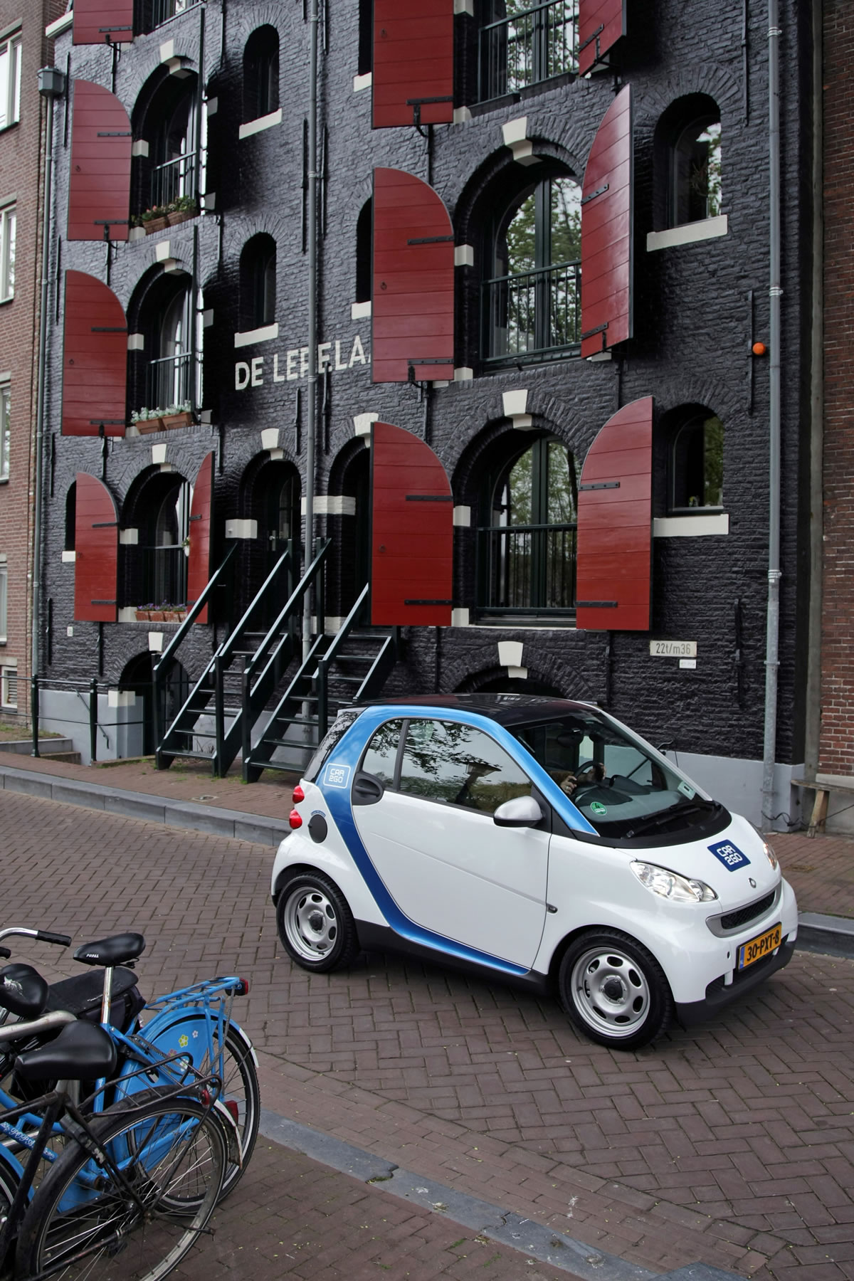 smart-car2go-amsterdam-electric-828372_1530037_2520_3780_11c382_08